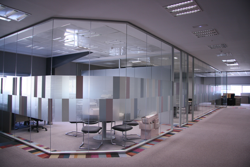 Mamparas de cristal para oficinas y Call Centers - photo#24